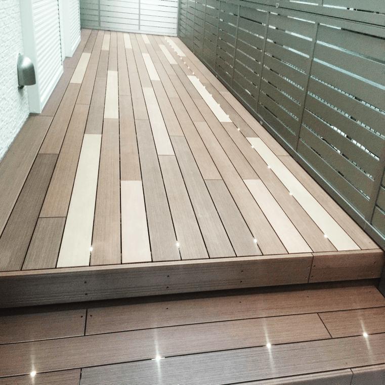 クラフトマンシップ ウッドデッキ施工例:A様邸ウッドデッキ 西東京市-NO.1 最新の機能を持ったウッドデッキをアンティーク調に