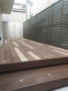 最新の機能を持ったウッドデッキをアンティーク調に-A様邸ウッドデッキ_西東京市_写真5