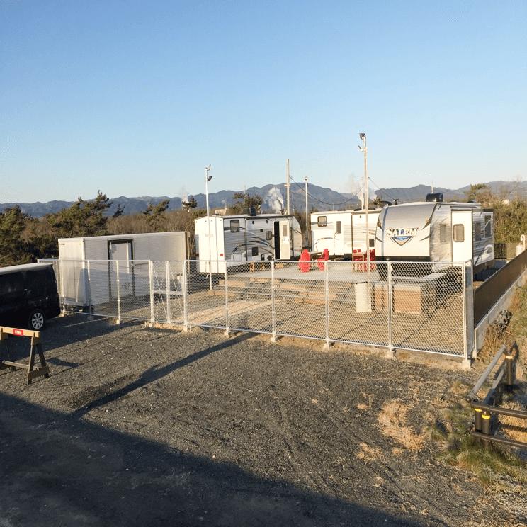 クラフトマンシップ ウッドデッキ施工例:福島ベース-NO.2 開放的でちゃんと仕切ってます