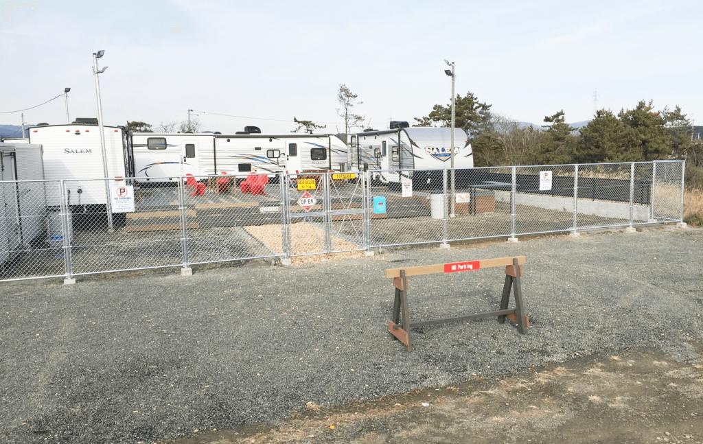 クラフトマンシップ ウッドデッキ施工例:福島ベース-NO.7 開放的でちゃんと仕切ってます
