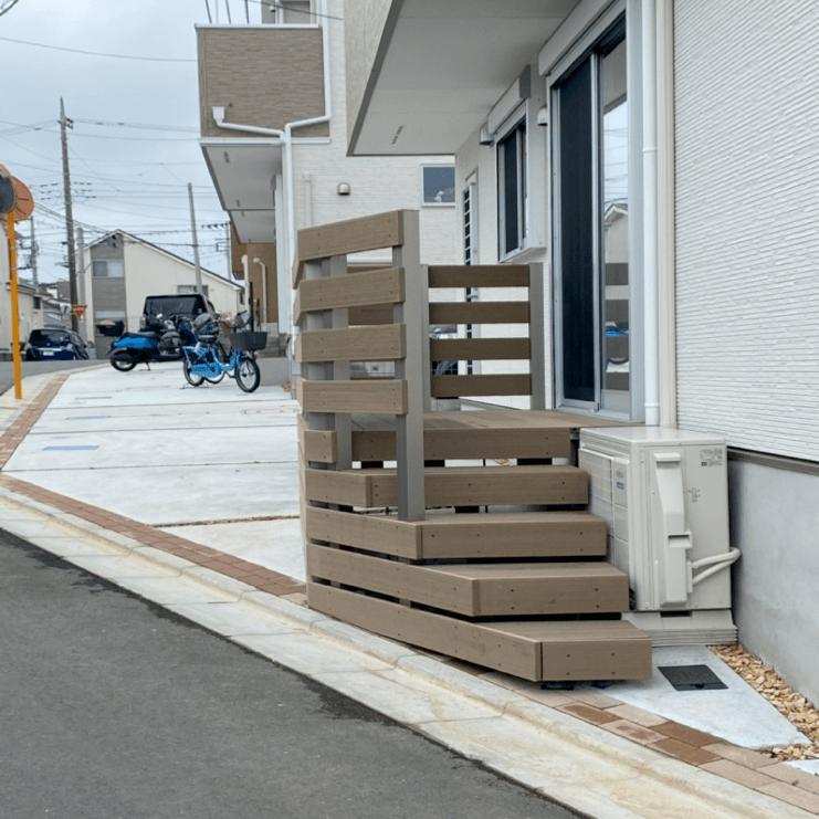 クラフトマンシップ ウッドデッキ施工例:H様邸 東京都東久留米市-NO.3 出入りが不便でもウッドデッキで解決